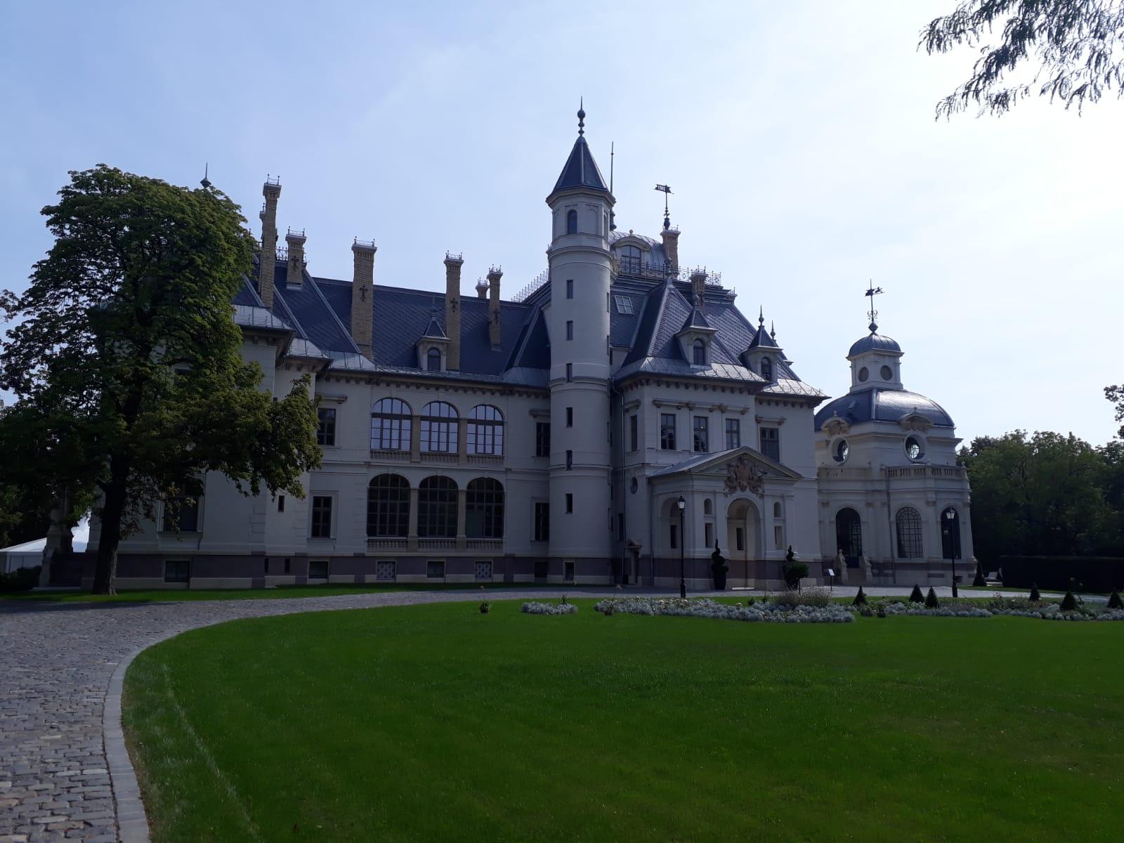 Schossberger palace, Tura