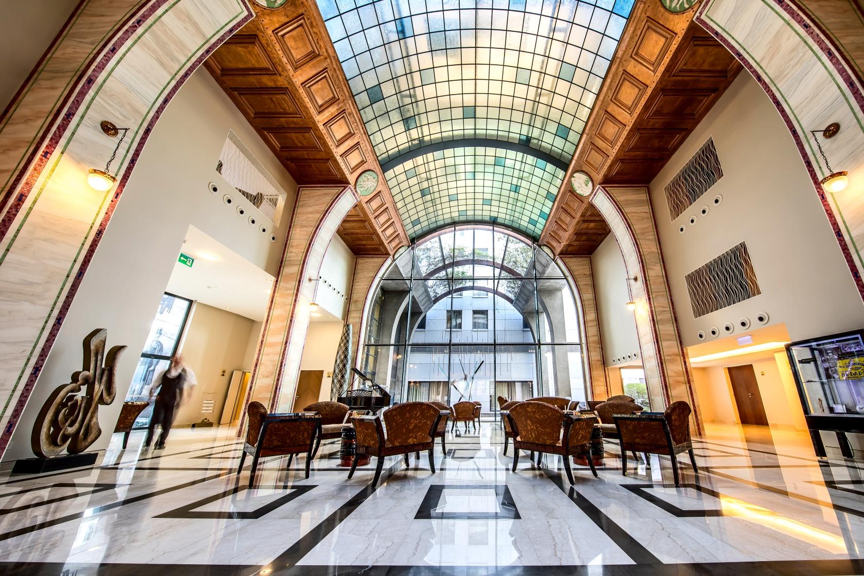 Continental Budapest Lobby