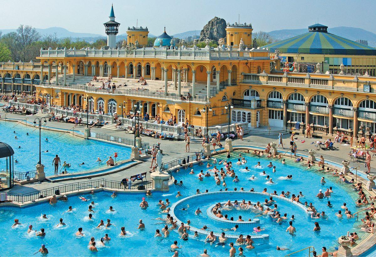 Szechenyi Bath OpenAirPool