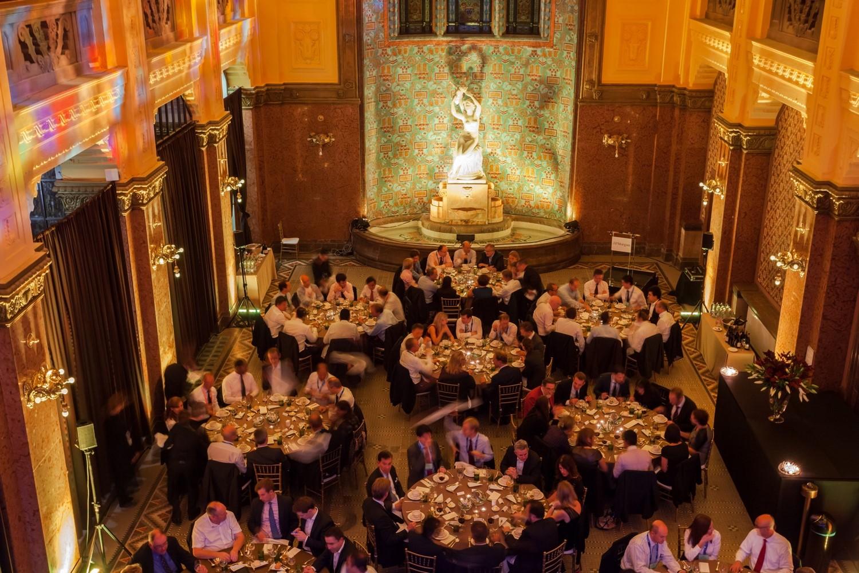 Gala-Dinner in der Lobby des Bades